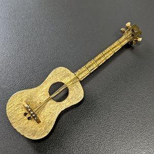 Guitar brooch J.J. JJ gold tone